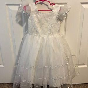 La-di-dah Kids size 4T White Dress